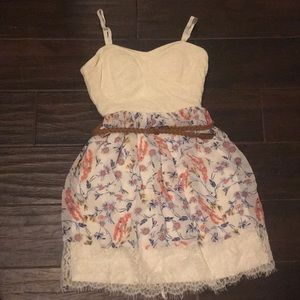 Casual floral dress.